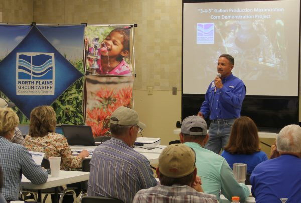 Harold Grall speaks at the Perryton Grower's Meeting on September 20, 2017.
